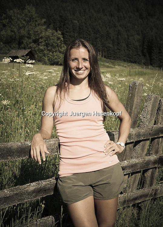 Gastein Ladies Open 2013 , internationales WTA TennisTurnier,Bad Gastein,AUT,<br /> Annika Beck (GER), Einzelbild,Halbkoerper,Hochformat,privat,