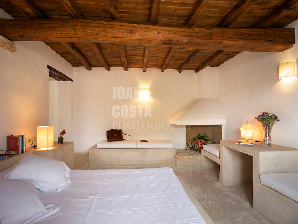 21/Junio/09 Eivissa<br /> Agroturismo Can Escandell. Habitaci&oacute;n Benirras<br /> <br /> &copy; JOAN COSTA