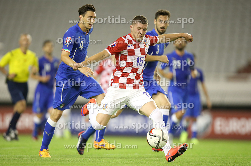 12.06.2015, Stadion Poljud, Split, CRO, UEFA Euro 2016 Qualifikation, Kroatien vs Italien, Gruppe H, im Bild Ante Rebic, Matteo Darmian // during the UEFA EURO 2016 qualifier group H match between Croatia and and Italy at the Stadion Poljud in Split, Croatia on 2015/06/12. EXPA Pictures &copy; 2015, PhotoCredit: EXPA/ Pixsell/ Igor Kralj<br /> <br /> *****ATTENTION - for AUT, SLO, SUI, SWE, ITA, FRA only*****