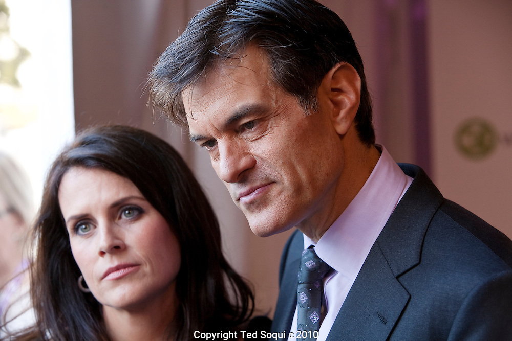 Dr. Oz and his wife Lisa..The Women's Conference held in Long Beach at the convention center hosted by California First Lady Maria Shriver and Governor Arnold Schwarzenegger..