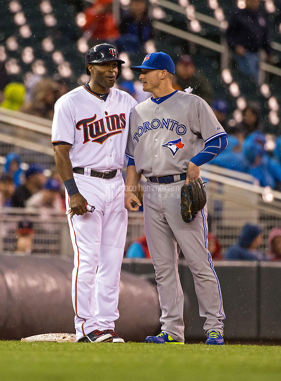 MINNEAPOLIS, MN- MAY 29: Torii Hunter #48 of the Minnesota Twins talks with Josh Donaldson #20 of the Toronto Blue Jays against the Toronto Blue Jays on May 29, 2015 at Target Field in Minneapolis, Minnesota. The Blue Jays defeated the Twins 6-4. (Photo by Brace Hemmelgarn) *** Local Caption *** Torii Hunter;Josh Donaldson