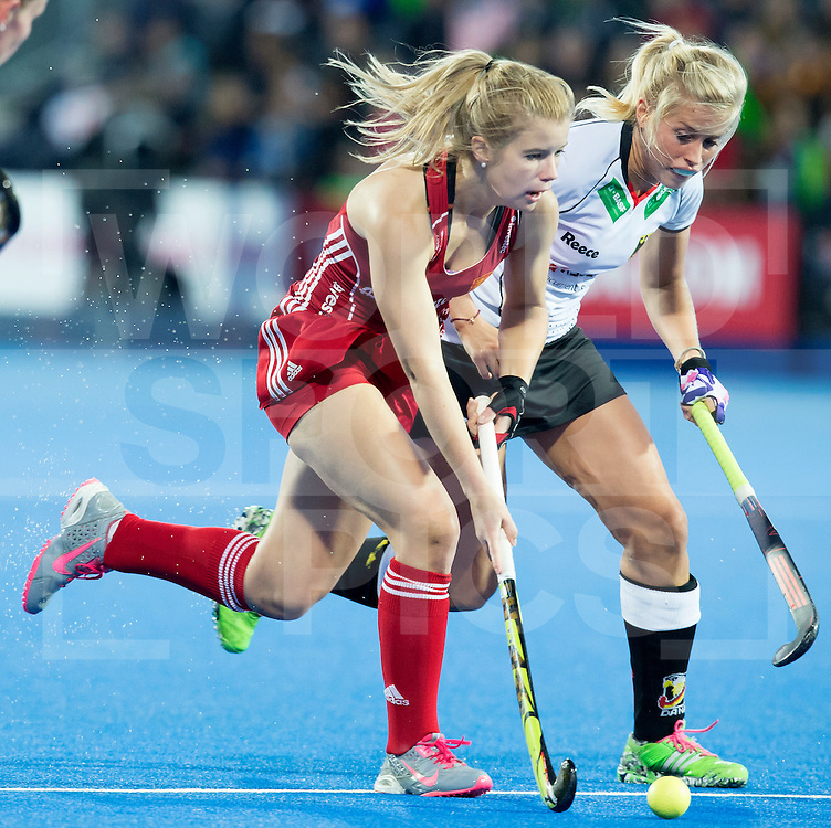 LONDON -  Unibet Eurohockey Championships 2015 in  London.  England v Germany .  England Sophie Bray (l)  with German Kristina Hillmann.  WSP Copyright  KOEN SUYK .