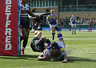 Ashton Golding of Leeds Rhinos scores the try against London Broncos during the Super 8s Qualifiers match at Trailfinders Sports Club, Ealing<br /> Picture by Stephen Gaunt/Focus Images Ltd +447904 833202<br /> 19/08/2018