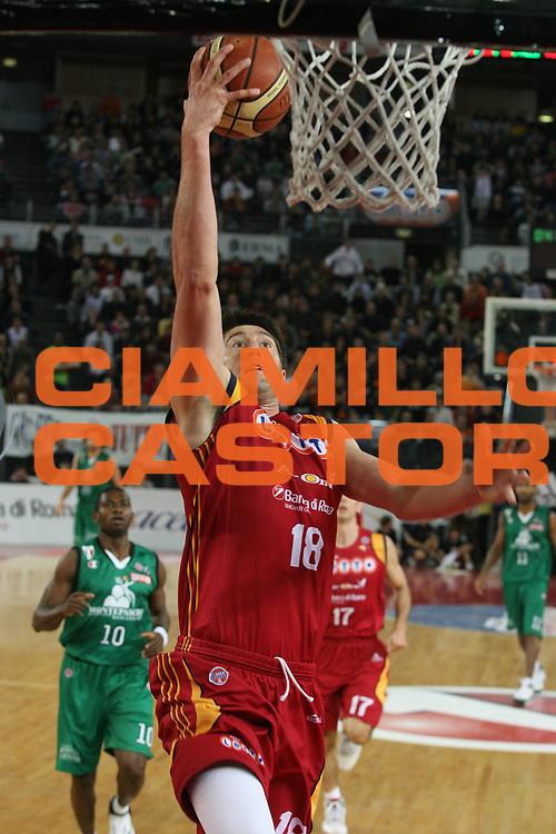 DESCRIZIONE : Roma Lega A1 2007-08 Lottomatica Virtus Roma Montepaschi Siena <br /> GIOCATORE : Roberto Gabini <br /> SQUADRA : Lottomatica Virtus Roma <br /> EVENTO : Campionato Lega A1 2007-2008 <br /> GARA : Lottomatica Virtus Roma Montepaschi Siena <br /> DATA : 06/04/2008 <br /> CATEGORIA : Tiro <br /> SPORT : Pallacanestro <br /> AUTORE : Agenzia Ciamillo-Castoria/G.Ciamillo