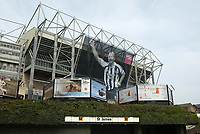 Photo: Andrew Unwin.<br />Newcastle United v West Bromwich Albion. The Barclays Premiership. 22/04/2006.<br />A giant banner in tribute to Alan Shearer hangs on the Gallowgate end of St James' Park.
