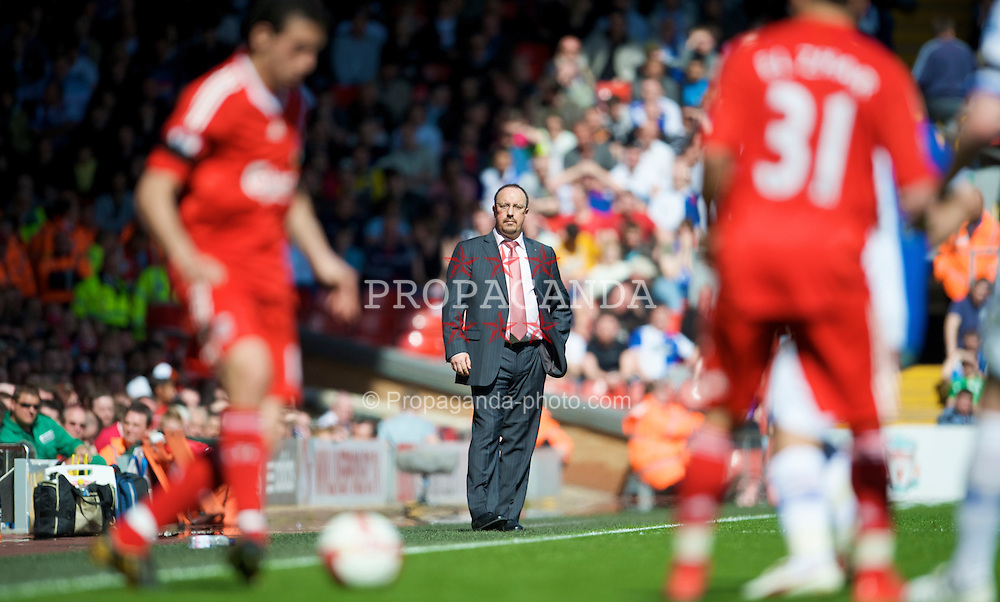 LIVERPOOL, ENGLAND - Saturday, April 11, 2009: Liverpool's manager Rafael Benitez during the Premiership match against Blackburn Rovers at Anfield. (Photo by: David Rawcliffe/Propaganda)
