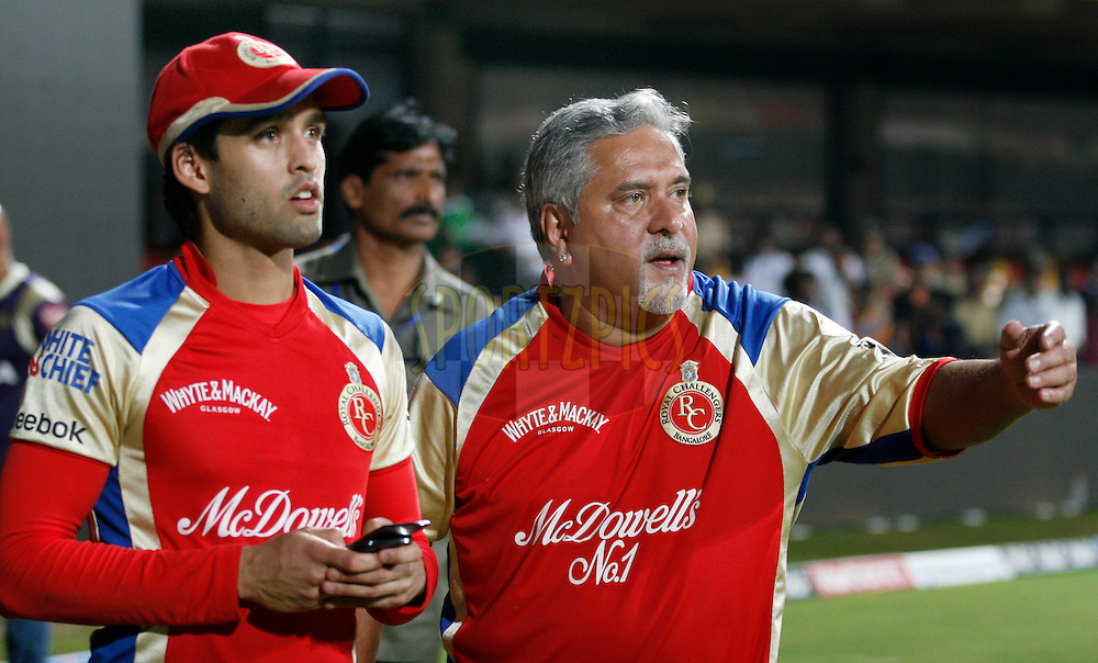Vijay Malaya RCB Owner  with his son Siddharth Malaya after the friendly match between KKR Management and RCB management teams in the the Indian Premier League ( IPL ) Season 4 between the Royal Challengers Bangalore and the Kolkata Knight Riders held at the Chinnaswamy Stadium, Bangalore, Karnataka, India on the 14th May 2011..Photo by Vino John/BCCI/SPORTZPICS