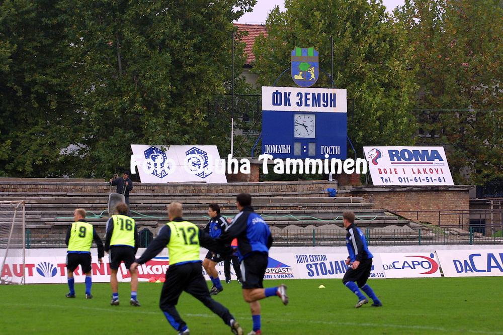 14.10.2002, Stadion FK Zemun, Belgrad..Maajoukkueen harjoitukset..©Juha Tamminen