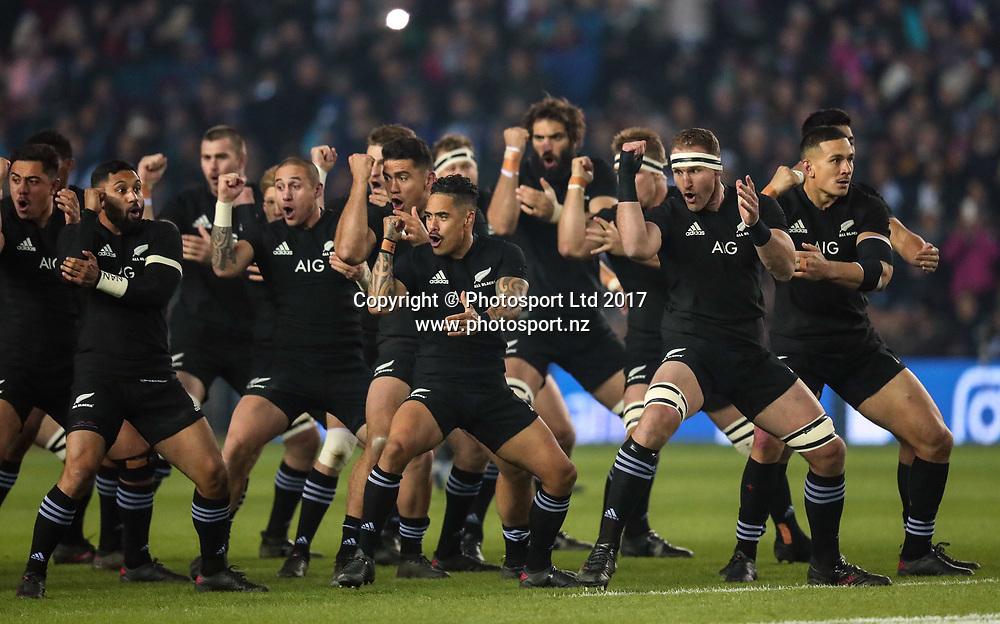 New Zealand All Blacks Rugby  Northern Tour 2017 BT Murrayfield Edinburgh 18/11/2017<br /> Scotland vs New Zealand <br /> New Zealand All Blacks Haka <br /> Copyright photo: Billy Stickland / www.photosport.nz
