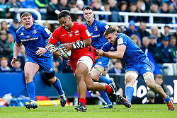 Billy Vunipola of Saracens goes past Robbie Henshaw of Leinster Rugby - Mandatory by-line: Robbie Stephenson/JMP - 11/05/2019 - RUGBY - St James' Park - Newcastle, England - Leinster Rugby v Saracens - Heineken Champions Cup Final