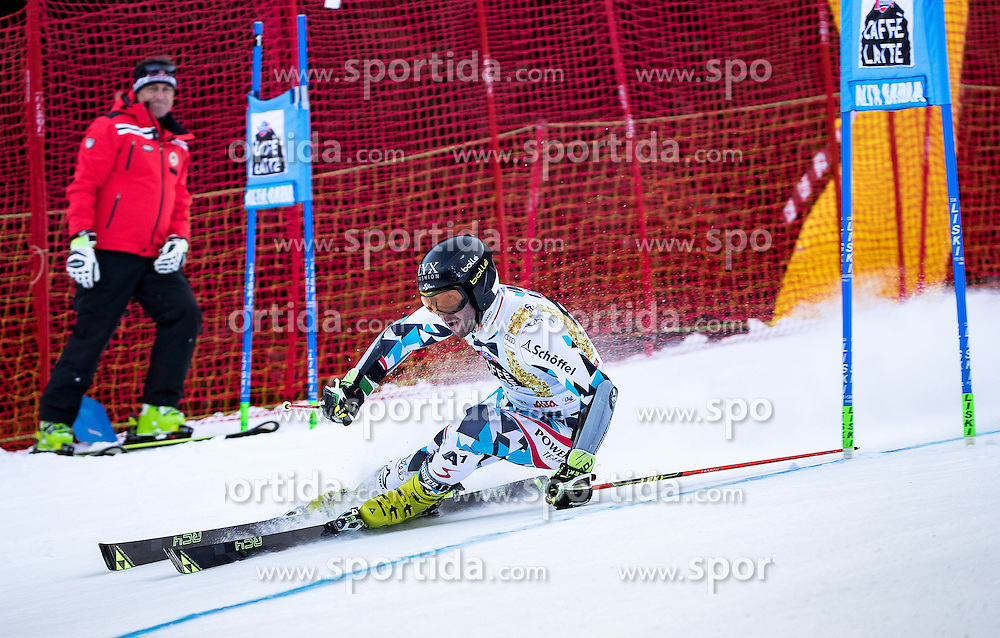 19.12.2016, Grand Risa, La Villa, ITA, FIS Ski Weltcup, Alta Badia, Riesenslalom, Herren, 1. Lauf, im Bild Philipp Schoerghofer (AUT) // Philipp Schoerghofer of Austria in action during 1st run of men's Giant Slalom of FIS ski alpine world cup at the Grand Risa race Course in La Villa, Italy on 2016/12/19. EXPA Pictures © 2016, PhotoCredit: EXPA/ Johann Groder