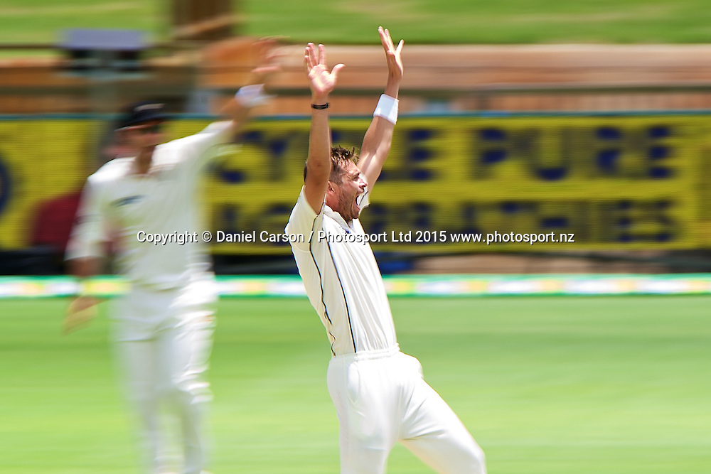 Tim Southee of the New Zealand Black Caps appeals for a wicket during Day 5 on the 17th of November 2015. The New Zealand Black Caps tour of Australia, 2nd test at the WACA ground in Perth, 13 - 17th of November 2015.   Photo: Daniel Carson / www.photosport.nz