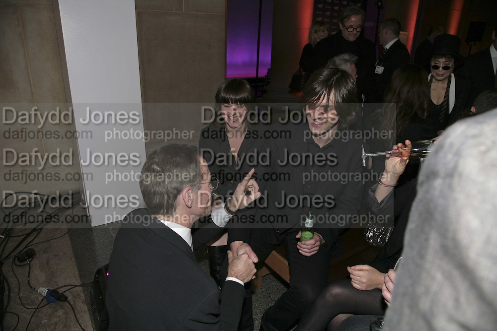 Mark Titchener, Turner Prize 2006. Tate Gallery. London. 4 December 2006. ONE TIME USE ONLY - DO NOT ARCHIVE  © Copyright Photograph by Dafydd Jones 248 CLAPHAM PARK RD. LONDON SW90PZ.  Tel 020 7733 0108 www.dafjones.com
