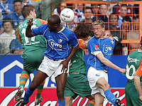 Fotball<br /> Bundesliga 2003/04<br /> Bochum v Werder Bremen<br /> 25. april 2004<br /> Foto: Digitalsport<br /> NORWAY ONLY<br /> <br /> Ivan KLASNIC, Werder, Raymond KALLA, Bochum, Frank BAUMANN, Werder, Frank FAHRENHORST, Bochum