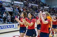 ROTTERDAM  - NK Zaalhockey . finale dames hoofdklasse: hdm-Laren 2-1. hdm landskampioen. teleurstelling bij Laren. Pam van Asperen (Lar) , Macey de Ruiter (Lar) en Elin van Erk (Lar)       COPYRIGHT KOEN SUYK