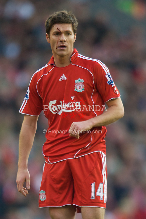 LIVERPOOL, ENGLAND - Saturday, February 16, 2008: Liverpool's Xabi Alonso in action against Barnsley during the FA Cup 5th Round match at Anfield. (Photo by David Rawcliffe/Propaganda)