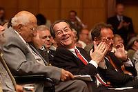 15 JUL 2004, BERLIN/GERMANY:<br /> Karl Richter, Franz Muentefering, SPD Parteivorsitzender, und Frank Bsirske (verdeckt), ver.di Vorsitzender, (v.L.n.R.), waehrend einem Festakt zum 100. Geburtstag von Karl Richter, langjähriges aktives Mitglied von Partei und Gewerkschaft, Rathaus Reinickendorf<br /> IMAGE: 20040715-01-020<br /> KEYWORDS: Franz Müntefering, Feier