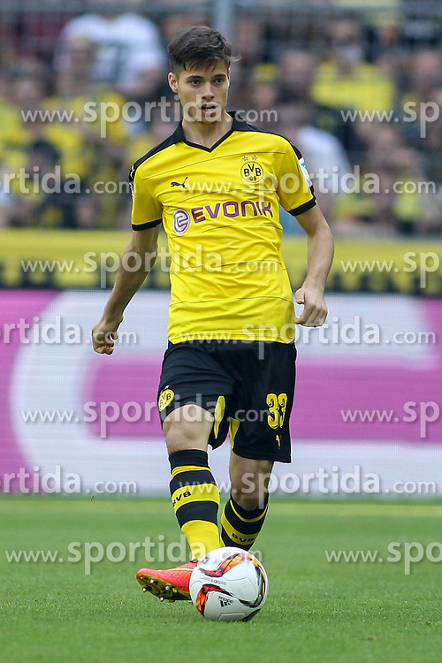 30.08.2015, Signal Iduna Park, Dortmund, GER, 1. FBL, Borussia Dortmund vs Hertha BSC, 3. Runde, im Bild Julian Weigl (Borussia Dortmund #33) // during the German Bundesliga 3rd round match between Borussia Dortmund and Hertha BSC at the Signal Iduna Park in Dortmund, Germany on 2015/08/30. EXPA Pictures &copy; 2015, PhotoCredit: EXPA/ Eibner-Pressefoto/ Sch&uuml;ler<br /> <br /> *****ATTENTION - OUT of GER*****