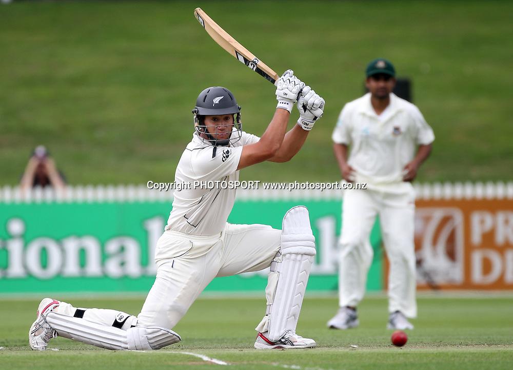 New Zealand batsman Ross Taylor cuts as he hits a boundary.<br />Day 1. Test match cricket. One off test.<br />New Zealand Black Caps versus Bangladesh.<br />Seddon Park, Hamilton, New Zealand.<br />Monday 15 February 2010.<br />Photo: Andrew Cornaga/PHOTOSPORT