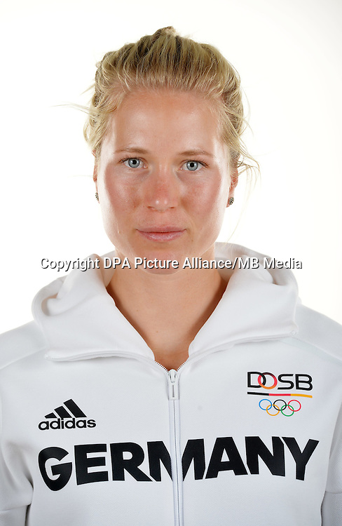 Julia Lier poses at a photocall during the preparations for the Olympic Games in Rio at the Emmich Cambrai Barracks in Hanover, Germany. July 08, 2016. Photo credit: Frank May/ picture alliance. | usage worldwide
