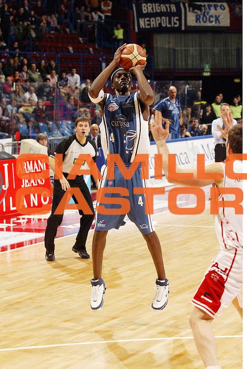 DESCRIZIONE : Milano Lega A1 2005-06 Armani Jeans Olimpia Milano Carpisa Napoli<br /> GIOCATORE : Sesay <br /> SQUADRA : Carpisa Napoli<br /> EVENTO : Campionato Lega A1 2005-2006 <br /> GARA : Armani Jeans Olimpia Milano Carpisa Napoli<br /> DATA : 05/02/2006 <br /> CATEGORIA : Tiro <br /> SPORT : Pallacanestro <br /> AUTORE : Agenzia Ciamillo-Castoria/G.Cottini