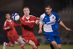 BRISTOL, ENGLAND - Thursday, January 15, 2009: Liverpool's Lauri Dalla Valle in action against Bristol Rovers' Dan Cayford during the FA Youth Cup match at the Memorial Stadium. (Mandatory credit: David Rawcliffe/Propaganda)