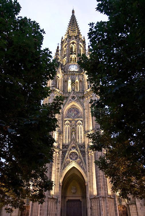 Catedral del Buen Pastor de San Sebastián. Edificio en estilo neogótico del arquitecto Manuel Echave, fue edificada en el S. XIX en el centro de la ciudad.