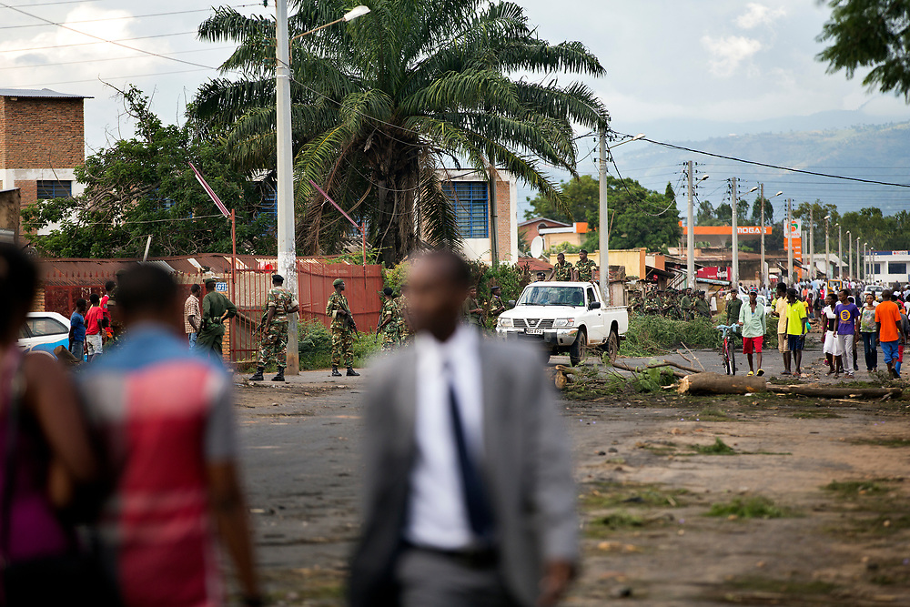 Burundi/Bujumbura 2015-05-09<br /> Government loyal Military patrolling the streets in central Bujumbura days before the failed coup attempt in May 2015
