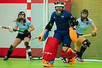VIANEN - Karlijn Adank (Lar) . Zaalhockey Laren-Oranje Rood dames.  COPYRIGHT KOEN SUYK