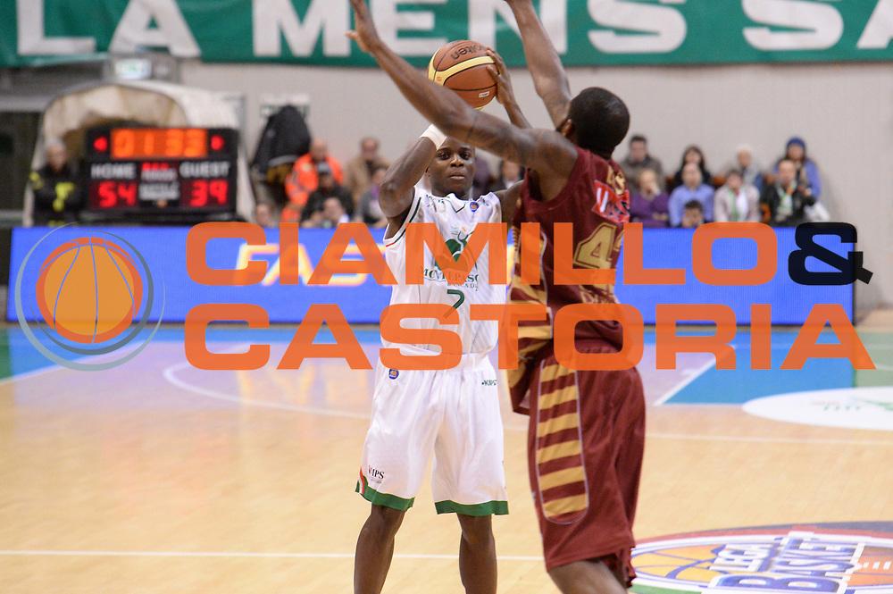 DESCRIZIONE : Siena Lega A 2013-14 Montepaschi Siena Umana Venezia<br /> GIOCATORE : David Reginald Cournooh<br /> CATEGORIA : tiro<br /> SQUADRA : Montepaschi Siena<br /> EVENTO : Campionato Lega A 2013-2014<br /> GARA : Montepaschi Siena Umana Venezia<br /> DATA : 11/11/2013<br /> SPORT : Pallacanestro <br /> AUTORE : Agenzia Ciamillo-Castoria/GiulioCiamillo<br /> Galleria : Lega Basket A 2013-2014  <br /> Fotonotizia : Siena Lega A 2013-14 Montepaschi Siena Umana Venezia<br /> Predefinita :