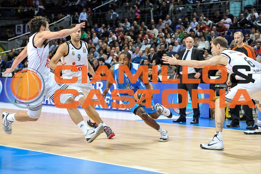 DESCRIZIONE : Eurolega Euroleague 2014/15 Gir.A Real Madrid - Dinamo Banco di Sardegna Sassari<br /> GIOCATORE : Jerome Dyson<br /> CATEGORIA : Palleggio Penetrazione Composizione<br /> SQUADRA : Dinamo Banco di Sardegna Sassari<br /> EVENTO : Eurolega Euroleague 2014/2015<br /> GARA : Real Madrid - Dinamo Banco di Sardegna Sassari<br /> DATA : 05/11/2014<br /> SPORT : Pallacanestro <br /> AUTORE : Agenzia Ciamillo-Castoria / Luigi Canu<br /> Galleria : Eurolega Euroleague 2014/2015<br /> Fotonotizia : Eurolega Euroleague 2014/15 Gir.A Real Madrid - Dinamo Banco di Sardegna Sassari<br /> Predefinita :