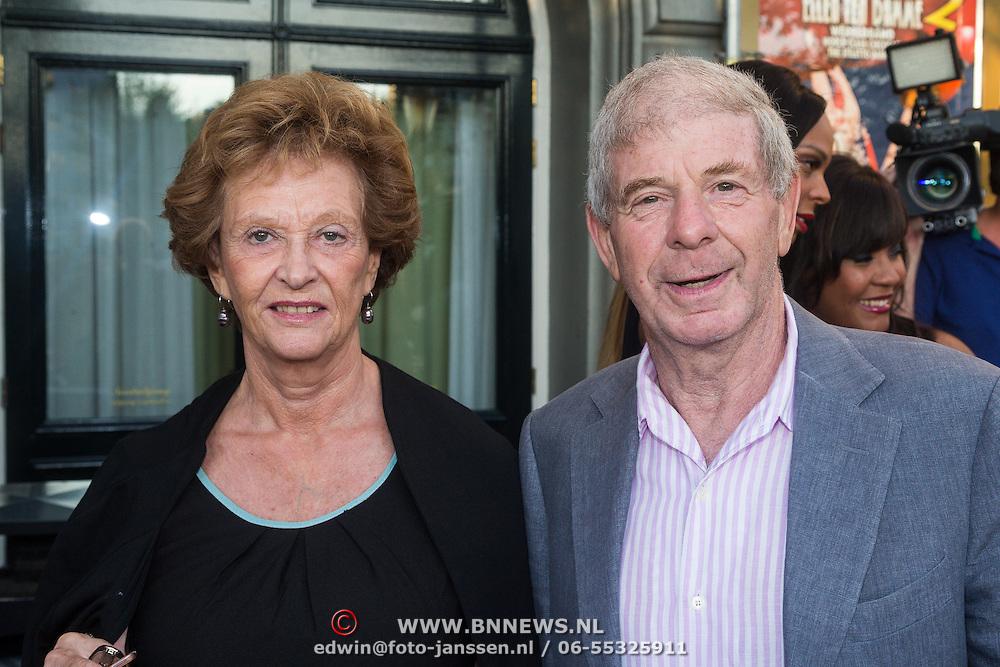NLD/Amsterdam/20130903 - Inloop premiere Stiletto 2, Frits Barend en partner Marijke