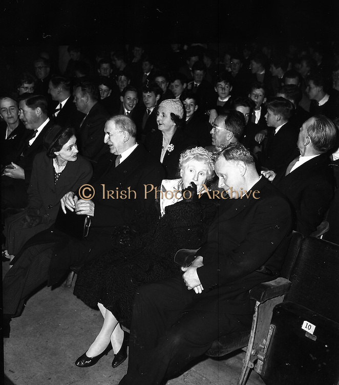 17/04/1961<br /> 04/17/1961<br /> 17 April 1961<br /> Opening of the School Drama Festival in the Gate Theatre  by President Eamonn de Valera. The President and Mrs Sile de Valera (second from left) chatting before the show.