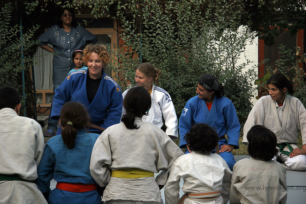 Norwegin judotrainers are visiting Kabul as a part of the Judo for fred (judo for peace) program. Here some girls at the orphanage, Khorasan in, are practesing judo in the garden. (fall 2006)....Norske judoinstruktører besøker Kabul ifm Judo for fred (JFF). Her trener noen av jentene på Khorasan barnehjem judo ute i hagen (Høsten 2006).