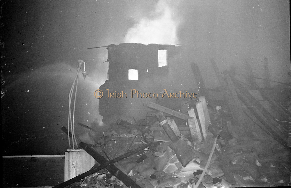 Fire at Johnson Mooney and O'Brien Mills, Dublin.<br /> 03.10.1961