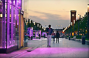 Nederland, Nijmegen, 12-8-2014Lichtinstallatie  op de van Schaeck Mathonsingel. Op de achtergrond het centraal station van de ns. De singel, promenade, ligt boven de nieuwe parkeergarage en wordt al de nijmeegse Ramblas genoemd.FOTO: FLIP FRANSSEN/ HOLLANDSE HOOGTE