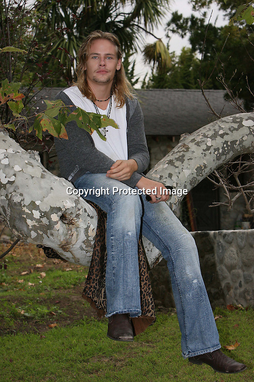 BRAWLEY NOLTE AT FATHERS NICK NOLTES PROPERTY IN MALIBU CALIFORNIA 8.12.08.PIX STEVE BUTLER