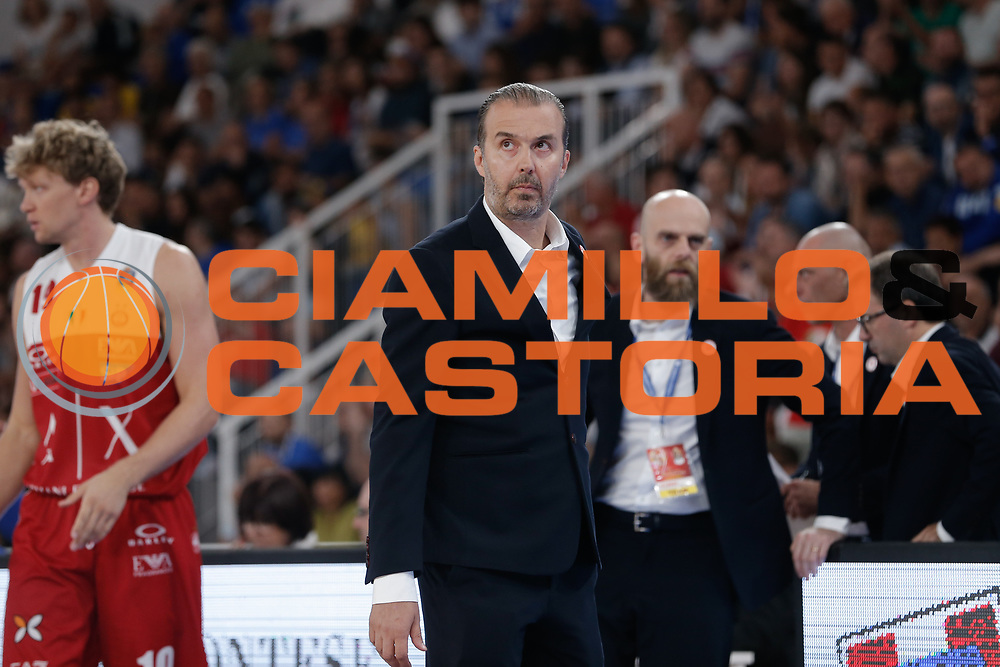Simone Pianigiani<br /> A   X Armani Exchange Milano - Leonessa Germani Brescia<br /> LBA Lega Basket Serie A<br /> Zurich Connect Supercoppa 2018<br /> Brescia, 29/09/2018<br /> Foto MarcoBrondi / Ciamillo-Castoria