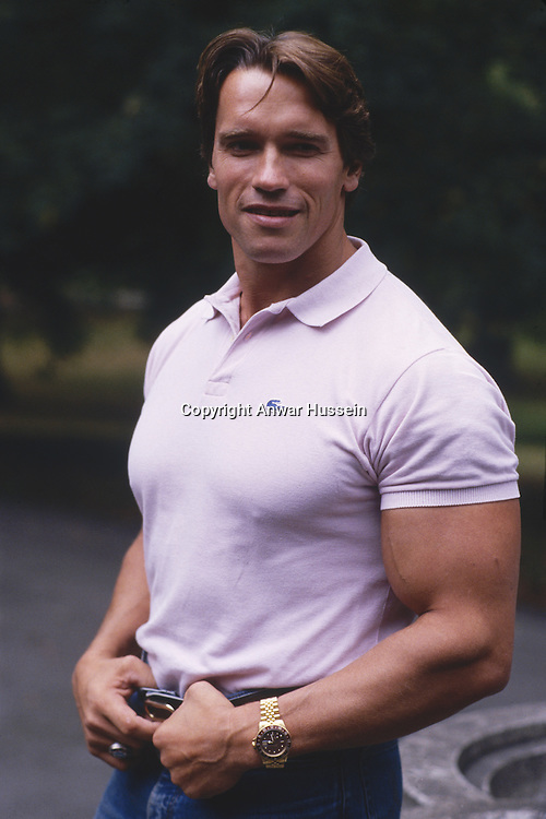 Austrian born American actor and body-builder Arnold Schwarzenegger, circa 1980.