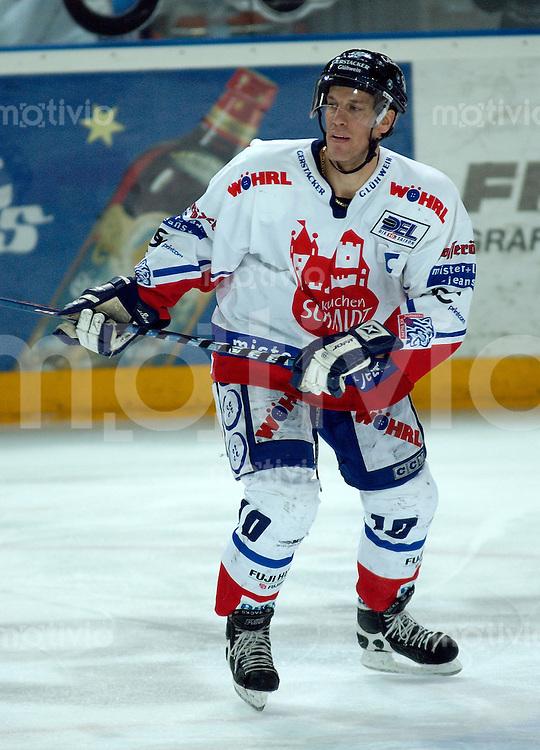 Eishockey, DEL, Deutsche Eishockey Liga 2003/2004 , 1.Bundesliga Arena Nuernberg (Germany) Nuernberg Ice Tigers - Iserlohn Roosters (7:2) Steve Larouche (IceTigers)