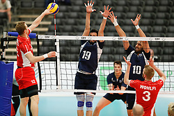 20170524 NED: 2018 FIVB Volleyball World Championship qualification, Koog aan de Zaan<br />Alexander Berger (12) of Austria, Sotirios Sotiriou (19) of Greece, Andreas Andreadis (10) of Greece <br />©2017-FotoHoogendoorn.nl / Pim Waslander
