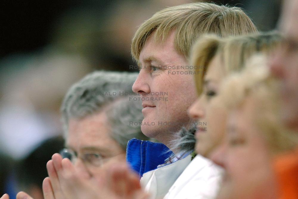 11-02-2006 SCHAATSEN:OLYMPISCHE WINTERSPELEN: 5000 METER HEREN: TORINO<br /> Prins Willem Alexander<br /> &copy;2006-Ronald Hoogendoorn