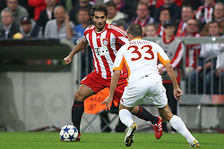 15.09.2010, Allianz Arena, Muenchen, GER, UEFA CL Gruppe E, FC Bayern Muenchen (GER) vs AS Rom (IT), im Bild Hamit Altintop (Bayern #8) im Kampf mit Matteo Brighi (Rom #33)  , EXPA Pictures © 2010, PhotoCredit: EXPA/ nph/  Straubmeier+++++ ATTENTION - OUT OF GER +++++