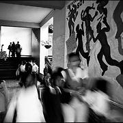 DAILY VENEZUELA / VENEZUELA COTIDIANA.Jose Marti School. Caracas - Venezuela 2004.(Copyright © Aaron Sosa)