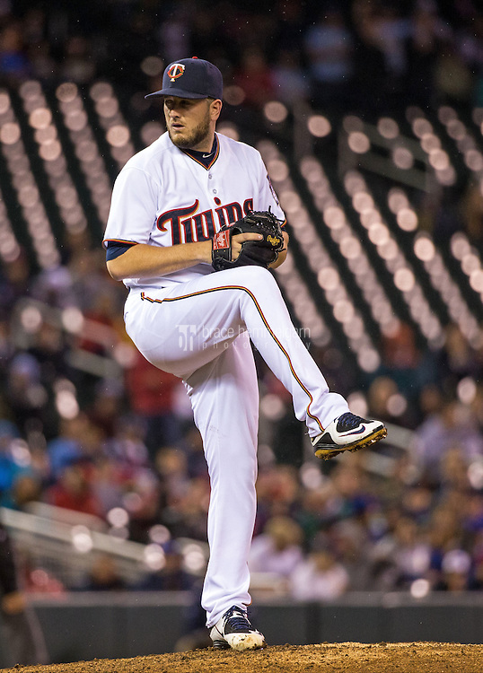 MINNEAPOLIS, MN- MAY 29: Glen Perkins #15 of the Minnesota Twins pitches against the Toronto Blue Jays on May 29, 2015 at Target Field in Minneapolis, Minnesota. The Blue Jays defeated the Twins 6-4. (Photo by Brace Hemmelgarn) *** Local Caption *** Glen Perkins