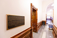 Controversial Confederate Plaque in Texas Capitol False Confederate plaque was voted to be removed from the Texas Capitol on January 11. 2019.