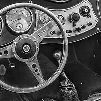 1952 MG TD dash black and white