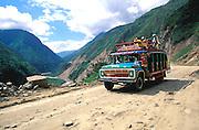 ECUADOR, HIGHLANDS, AMAZON Pastaza Valley descent to Amazon