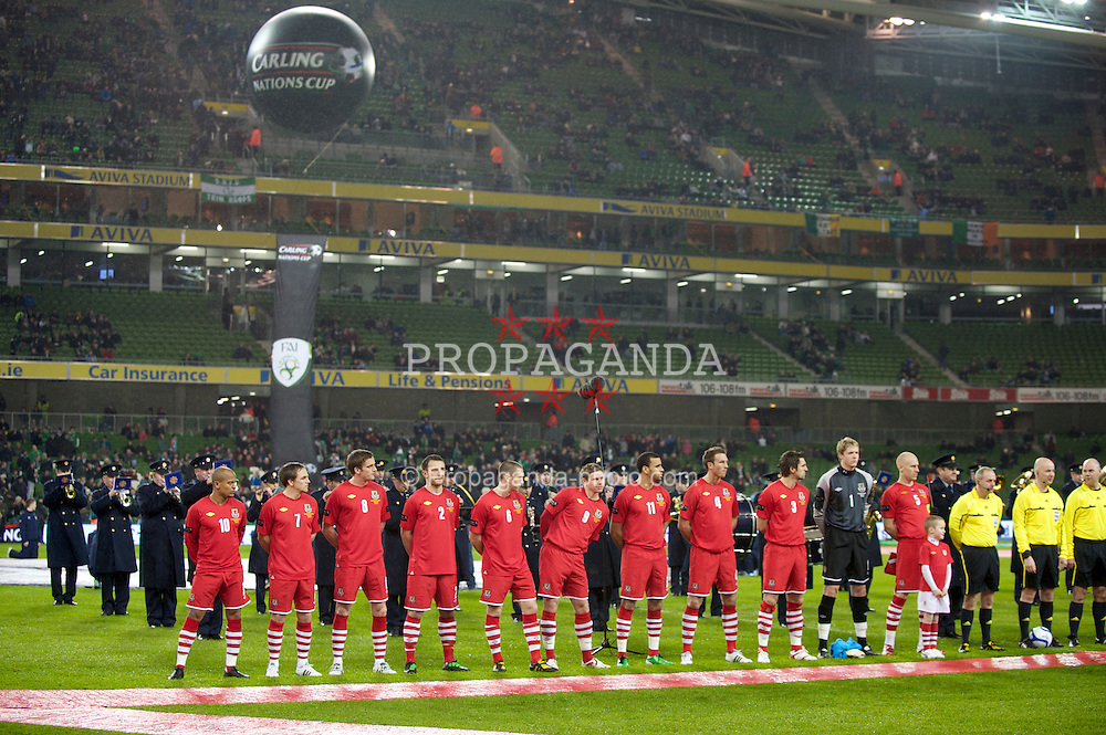 DUBLIN, IRELAND - Tuesday, February 8, 2011: Wales' team before the opening Carling Nations Cup match against the Republic of Ireland at the Aviva Stadium (Lansdowne Road). Robert Earnshaw, David Vaughan, Andy King, Neal Eardley, Andrew Crofts, Simon Church, Hal Robson-Kanu, Danny Collins, Sam Ricketts, goalkeeper Wayne Hennessey, captain James Collins. (Photo by David Rawcliffe/Propaganda)