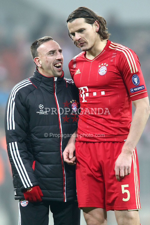 22.11.2011, Allianz Arena, Muenchen, UEFA CL, Gruppe A, GER, FC Bayern Muenchen (GER) vs FC Villarreal (ESP), im Bild Franck Ribery (Bayern #7) und Daniel van Buyten (Bayern #5) feiern den Sieg //during the football match of UEFA Champions league, group a, between  FC Bayern Muenchen (GER)  vs.  FC Villarreal  (ESP) Gruppe A, on 2011/11/22 at Allianz Arena, Munich, Germany. EXPA Pictures © 2011, PhotoCredit: EXPA/ nph/ Straubmeier..***** ATTENTION - OUT OF GER, CRO *****